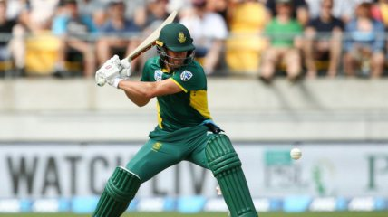 AB de Villiers and the race to the 9000 club.